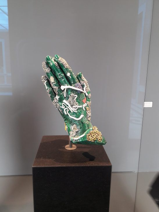 Damien Hirst praying hands.jpg