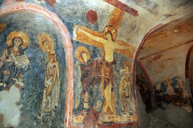 affreschi san vincenzo al volturno.jpg